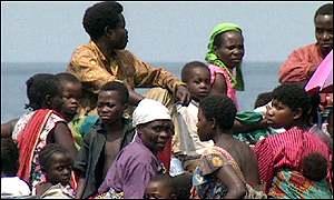 _38428417_refugees300.jpg